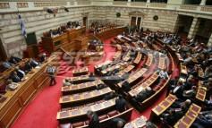 Βουλή: Ψηφίστηκαν οι ΠΝΠ για τα μέτρα ενάντια στον κορονοϊό