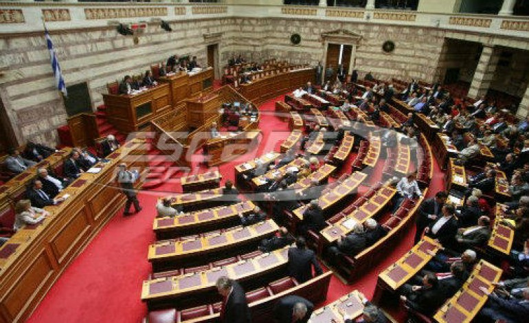 """Το """"πακέτο"""" του εκλογικού νόμου και της αναθεώρησης του Συντάγματος με το βλέμμα στο ΚΙΝΑΛ"""