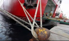 Δεμένα τα πλοία - Συγκεντρωμένοι αγρότες στα λιμάνια