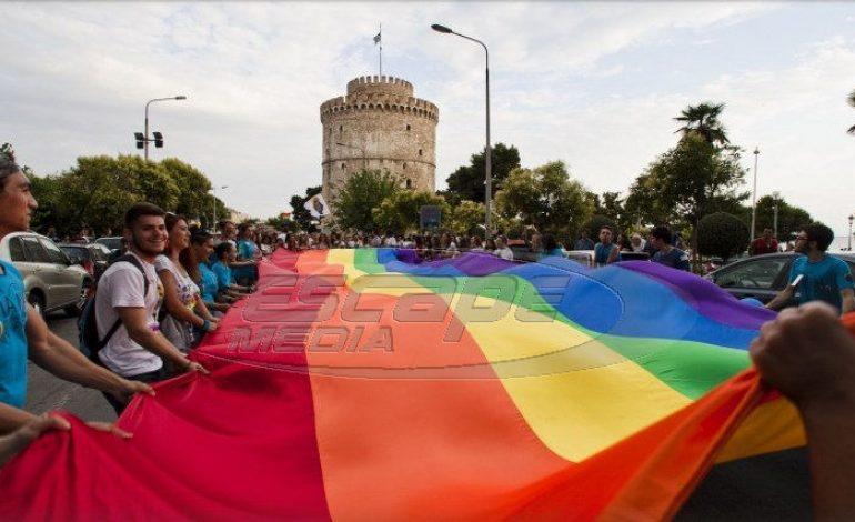 Η Νεολαία ΣΥΡΙΖΑ «εμπνέει» το υπουργείο Παιδείας για τα νέα σεξουαλικά ήθη στα σχολεία