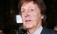 """Το """"σκαθάρι"""" που μηνύει τη Sony για τα δικαιώματα τραγουδιών των Beatles"""