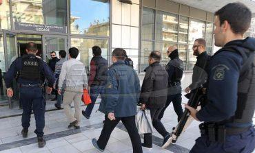 FT: Το δίλημμα του Τσίπρα για την έκδοση ή μη των Τούρκων αξιωματικών