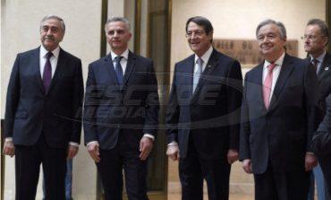 """""""Φαγωμάρα"""" στην ελληνοκυπριακή πλευρά - Ρήγμα και στους τουρκοκύπριους"""