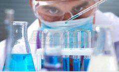 Έλληνας γιατρός ανακάλυψε δύο νέα συνθετικά αντιβιοτικά που καταστρέφουν θανατηφόρα μικρόβια