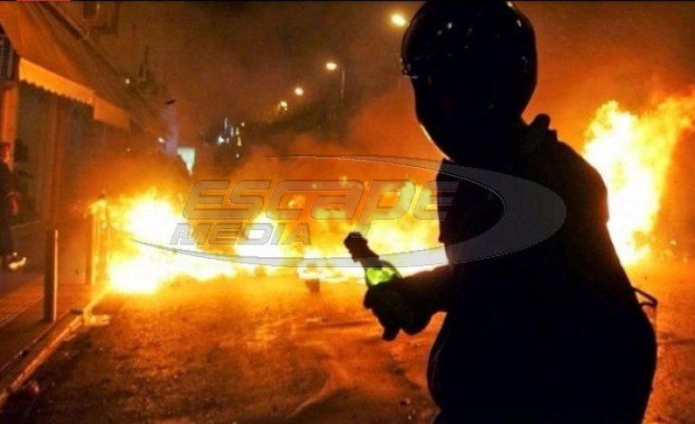 Μπαράζ επιθέσεων κοντά στα γραφεία του ΠΑΣΟΚ