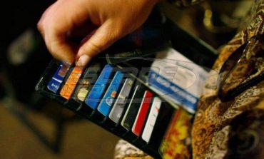 Τι να πληρώνετε με «πλαστικό» χρήμα για να έχετε αφορολόγητο