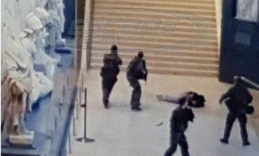 Επίθεση στο Λούβρο: Για απόπειρα ανθρωποκτονίας κατηγορείται ο τρομοκράτης
