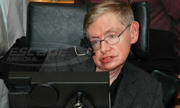 Ο Stephen Hawking ξεκινά εκστρατεία υπέρ των Παλαιστίνιων φοιτητών