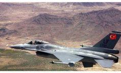 Τουρκικά αεροπλάνα βομβάρδισαν τα δικά τους στρατεύματα στη βόρεια Συρία