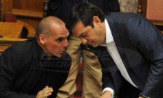 Βαρουφάκης προς Τσίπρα: Θα υπογράψεις ό,τι παλιόχαρτο σου φέρει ο Χουλιαράκης;