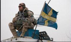 Με επαναφορά της υποχρεωτικής στρατιωτικής θητείας απαντά η Σουηδία στους εξοπλισμούς της Ρωσίας