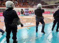 Xάος στο Ρέντη -Μπουκάλια και καρέκλες κατά των αθλητών του ΠΑΟΚ
