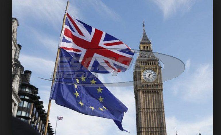 Το Λονδίνο θα επιδιώξει την παραμονή στην τελωνειακή ένωση