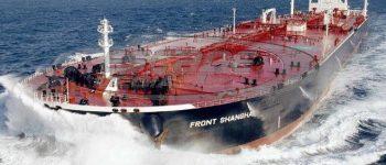 Έσπασαν οι κάβοι σε δύο παροπλισμένα πλοία στην Ελευσίνα