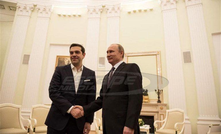 Χείρα βοηθείας απέναντι στην Τουρκία υποσχέθηκε ο Πούτιν