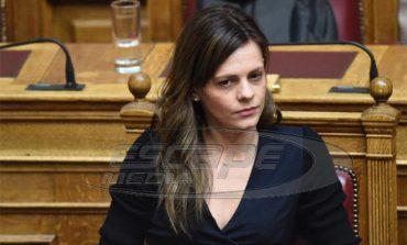 """Αχτσιόγλου: Επιστρέψαμε στο καθεστώς """"σε απολύω για όποιον λόγο γουστάρω"""""""