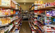 «Βαρύτερο» το καλάθι της νοικοκυράς τον Απρίλιο, αυξήσεις έως και 26%