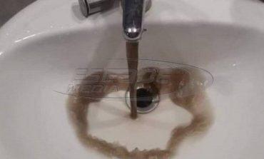 «Μαύρο» το νερό στην Νάξο - Ανησυχία των κατοίκων