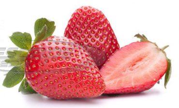 Φράουλες με βελόνες στα ράφια των σούπερ μάρκετ στην Αυστραλία