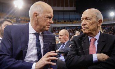 Στήριξη Παπανδρέου σε Σημίτη - Τηλεφωνική επικοινωνία των δυο πρώην πρωθυπουργών