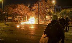 Επεισόδια στο Πολυτεχνείο: Μέλος του Ρουβίκωνα ανάμεσα στους συλληφθέντες «Βροχή» από μολότοφ τη νύχτα