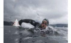 «Ήταν τόσο περίεργο»: Έκανε τον γύρο της Βρετανίας… κολυμπώντας
