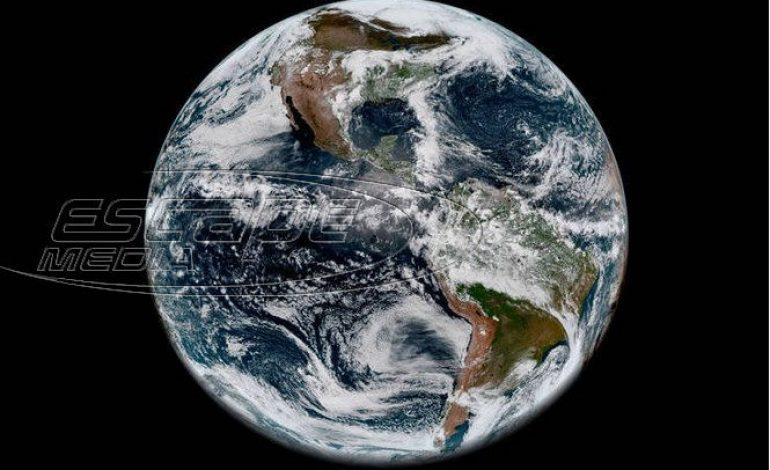 «Όταν κοιτάς τη Γη μας από ψηλά τρομάζεις»