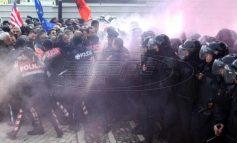 Ο Ράμα βγάζει το Στρατό στους δρόμους των Τιράνων – Ακροβολίζονται πάνοπλοι στρατιώτες – Καζάνι που βράζει η Αλβανία