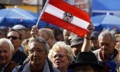 Η ακροδεξιά κυβέρνηση της Αυστρίας κατάργησε την αργία της Μεγάλης Παρασκευής