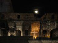 Η Μεγάλη Παρασκευή των Καθολικών και η «ροζ» πανσέληνος στον νυχτερινό ουρανό!