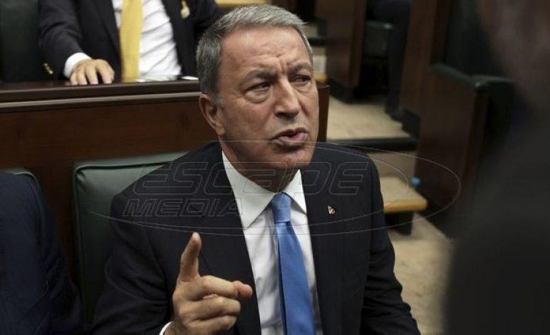 Θορυβημένη η Τουρκία έστειλε τον Ακάρ στα Σκόπια