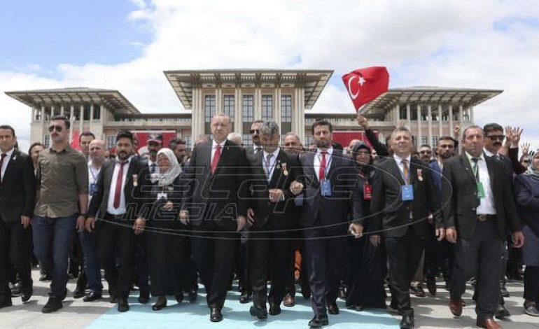 Ερντογάν: Κανείς δεν θα μας γονατίσει – Θα παράγουμε S-400 μαζί με τη Ρωσία