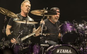 Metallica: Συνεχές μουσικό σφυροκόπημα μέσα στη βροχή
