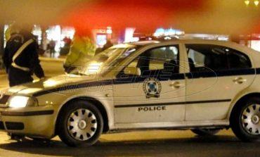 Επίθεση με πέτρες εναντίον αντρών των ΜΑΤ έξω από το Αστυνομικό Τμήμα Ακροπόλεως