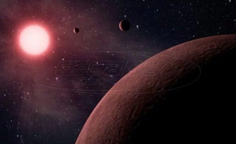 Ο ιδιοκτήτης της Tesla Ίλον Μασκ προτείνει να βομβαρδισθεί με πυρηνικά ο Άρης για να γίνει κατοικήσιμος