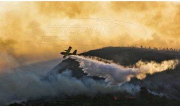 Φωτιά στο Λουτράκι: Ολονύχτια αναμένεται η μάχη με τις φλόγες - Εκκενώθηκαν μοναστήρια και γηροκομείο