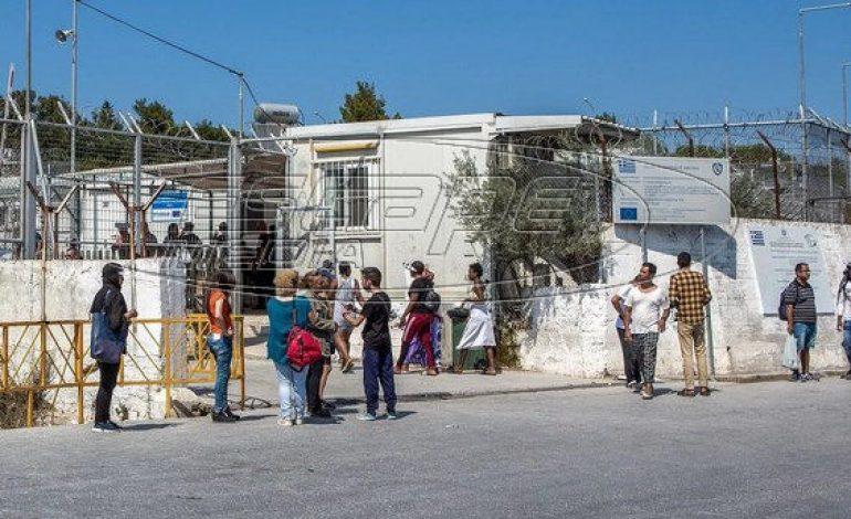 «Athens-Athens» φώναζαν οι ανήλικοι στην εξέγερση στη Μόρια – Με χημικά επενέβησαν οι αστυνομικοί