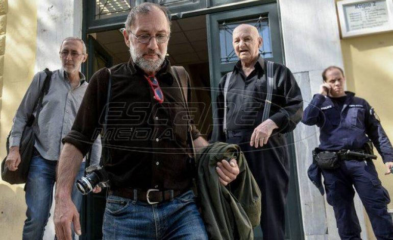 Καταγγελία για προσαγωγή φωτορεπόρτερ που κάλυπτε την επιχείρηση της ΕΛ.ΑΣ σε κατάληψη των Εξαρχείων