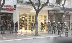 ΔΕΘ: Μαζί με την Αστυνομία άτομα με κουκούλες και τσάντες