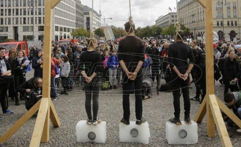 Γερμανία: Περισσότεροι από ένα εκατ. διαδηλωτές για το κλίμα