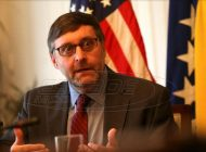 Πάλμερ: Ένταξη της Σερβίας στην ΕΕ μόνο αν αναγνωρίσει το Κόσοβο