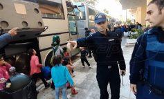 Μηταράκης: Τα πρόστιμα σε πρόσφυγες και μετανάστες θα αφαιρούνται από τα επιδόματά τους