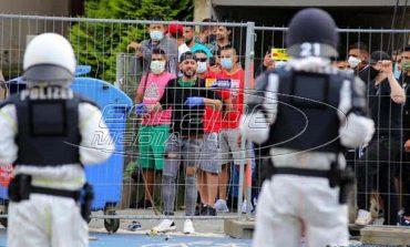 Γερμανία: Σκηνές βίας ανάμεσα σε αστυνομικούς και κατοίκους συγκροτήματος σε καραντίνα