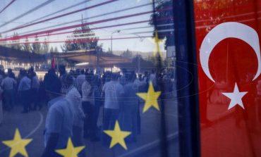Η Γαλλία ζητά από την ΕΕ μία συζήτηση «δίχως ταμπού» για τις σχέσεις της με την Τουρκία